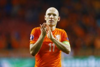 Robben twijfelt over Oranje