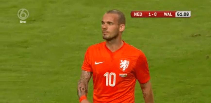 Wesley Sneijder tegen Wales