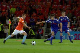 Sneijder en Van Basten in top tien mooiste EK-goals aller tijden