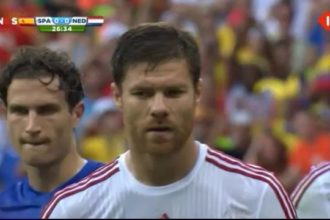 Spanje en Nederland halverwege op 1-1