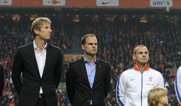 Wesley Sneijder met Van der Sar en de Boer