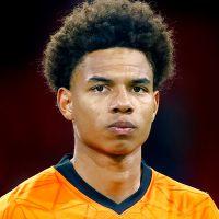 Portretfoto Calvin Stengs Nederlands elftal