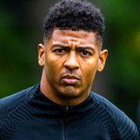 Portretfoto Patrick van Aanholt Nederlands elftal