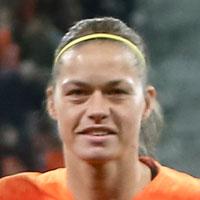 Portretfoto Anouk Dekker Oranjeleeuwinnen