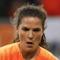 Portretfoto Siri Worm Nederlands elftal
