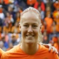 Portretfoto Stefanie van der Gragt Oranjeleeuwinnen